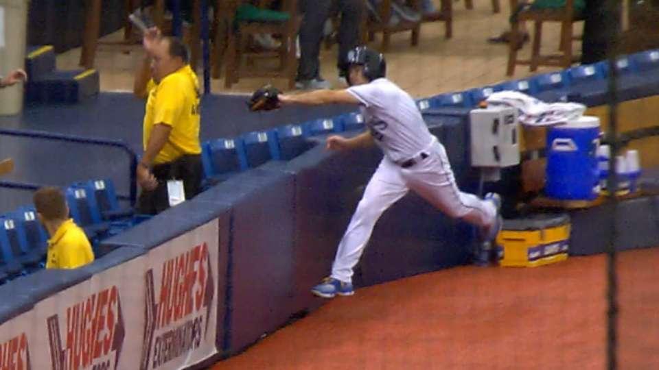 Rays ballboy makes reaching grab
