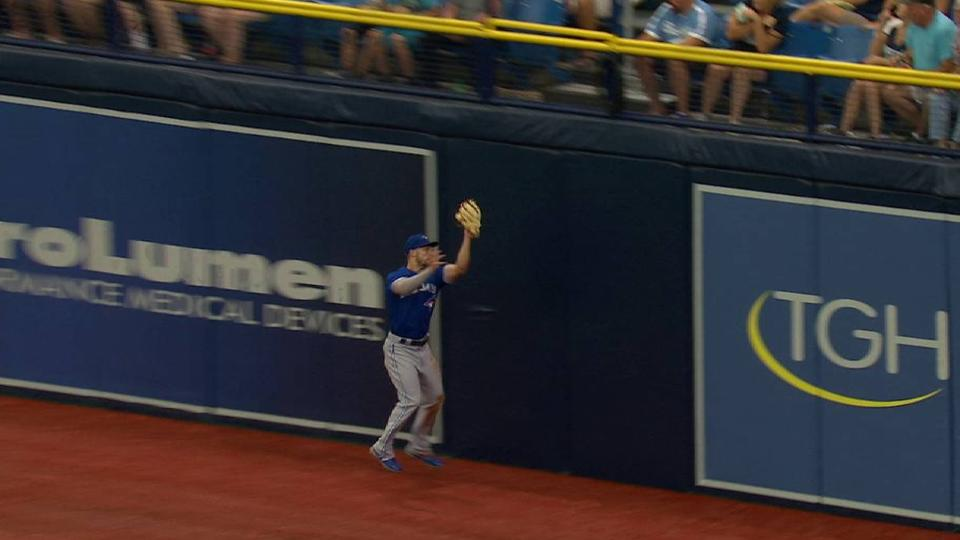 Grichuk's tough catch at wall