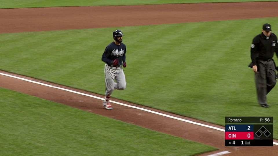 Markakis' solo home run