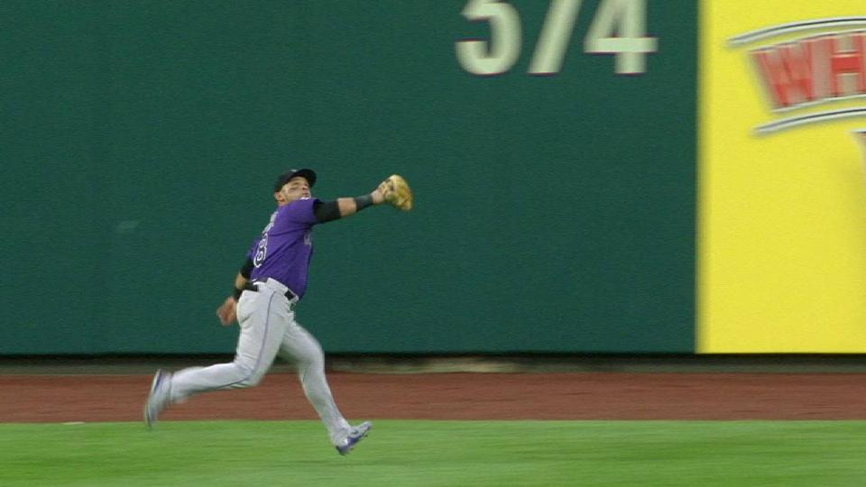 Parra's great catch on the run