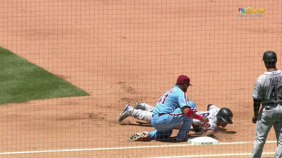 Velasquez picks off Parra