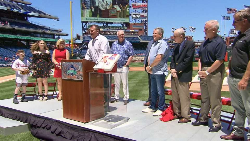 Phillies honor Thome for HOF