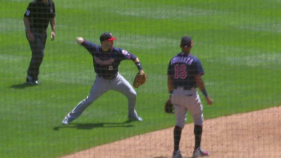 Dozier's sliding backhanded stop