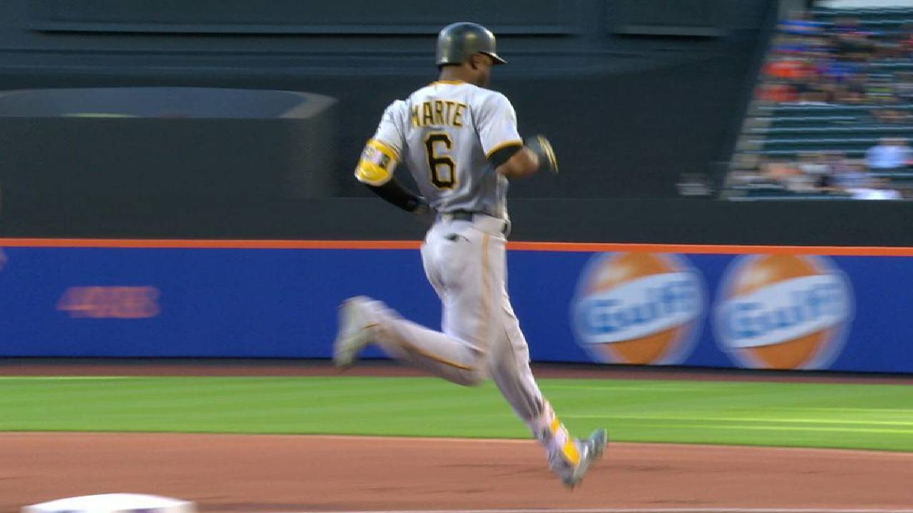 2c996b7ac34 Early errors cost Mets in loss to Pirates