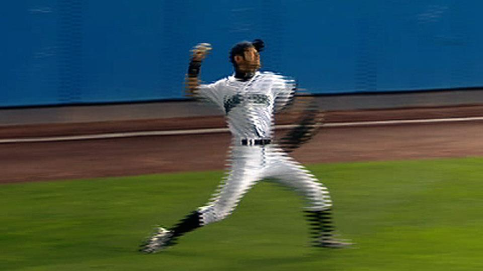 Ichiro throws out Pujols