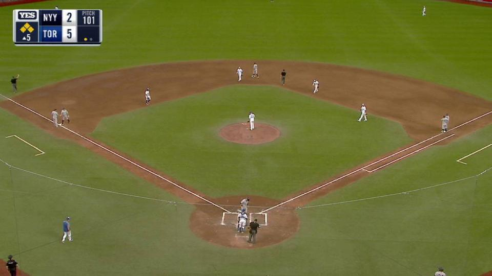 Hicks' bases-loaded walk