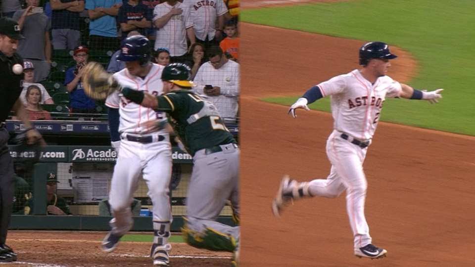 Must C: Astros' bizarre walk-off
