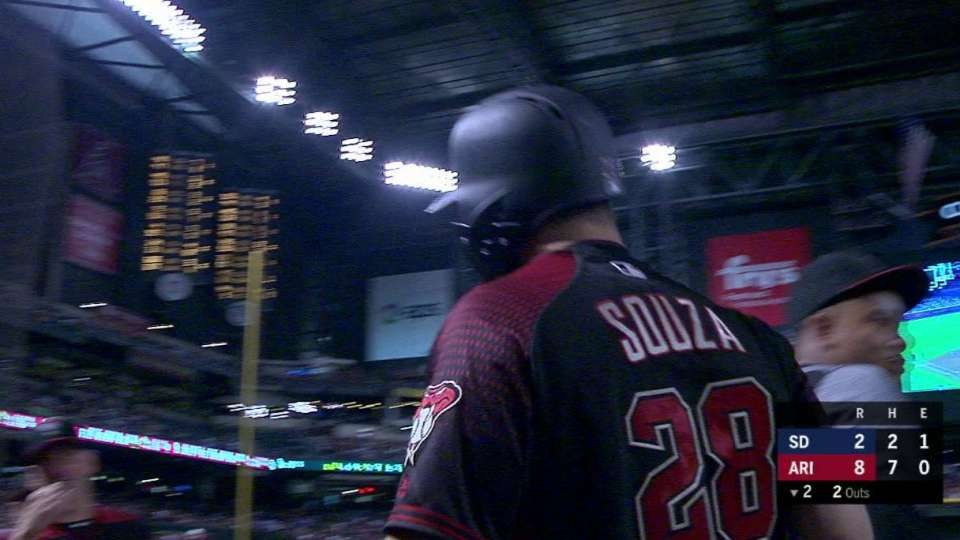 Souza's 2-run smash