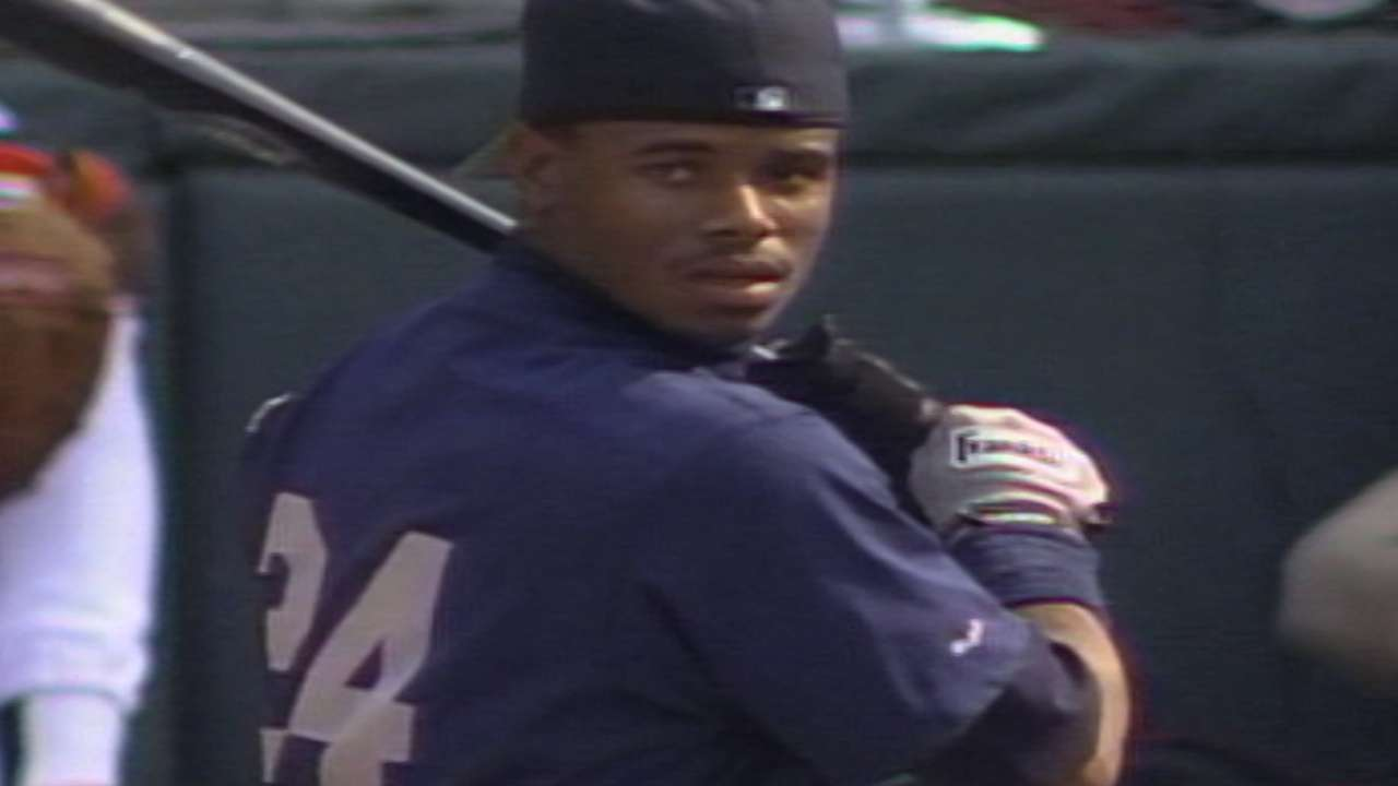9ca4acc36a Ken Griffey Jr. homers off warehouse at Camden Yards | MLB.com