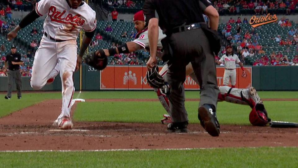 Machado's RBI infield single