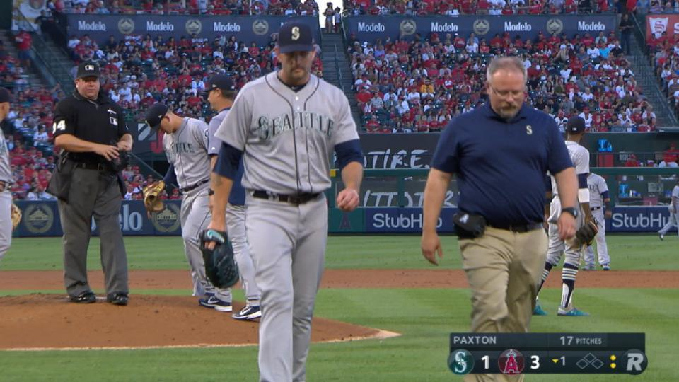 Paxton exits in 1st with injury