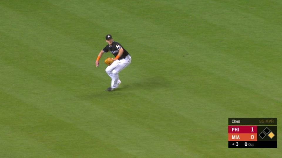 Cooper nabs Hernandez at second