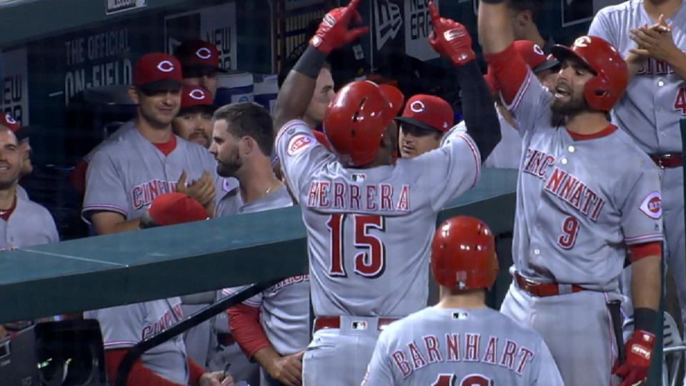 Reds score 5 in the 7th inning