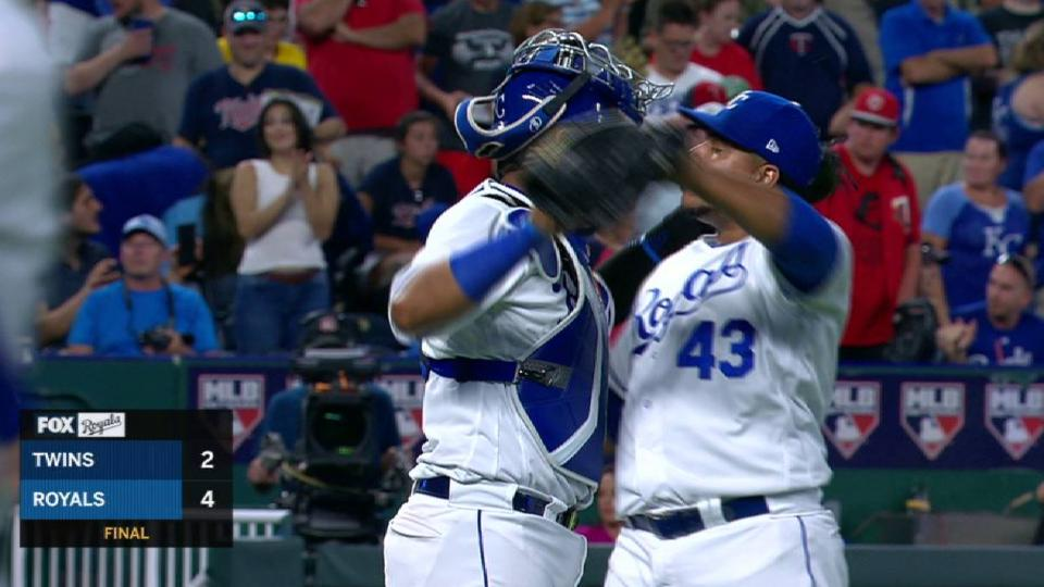 Peralta fans Cave, earns save