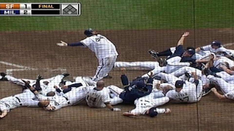 Fielder's walk-off shot
