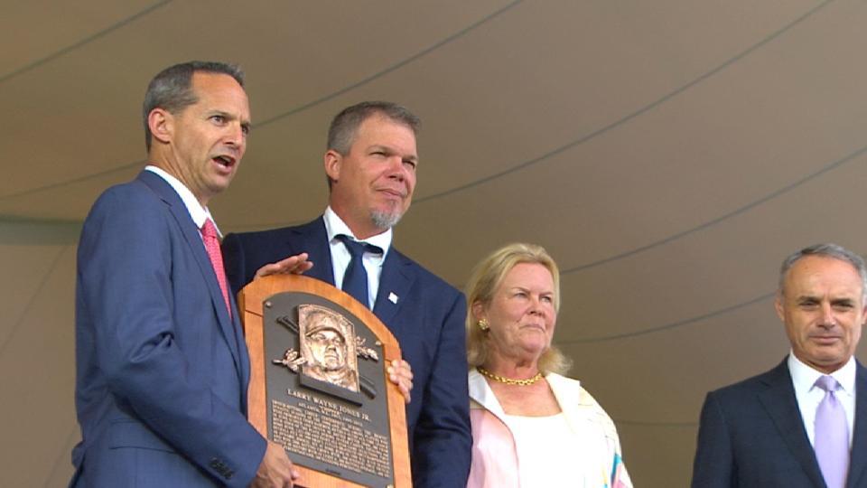 Manfred recites Chipper's plaque