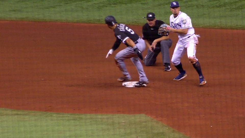 Wendle throws out Sanchez