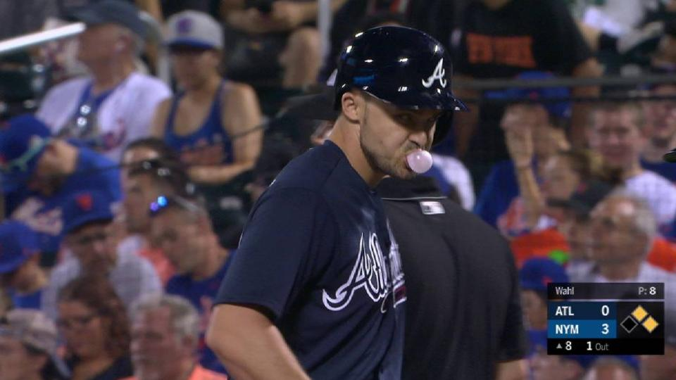 Duvall's 1st hit with the Braves
