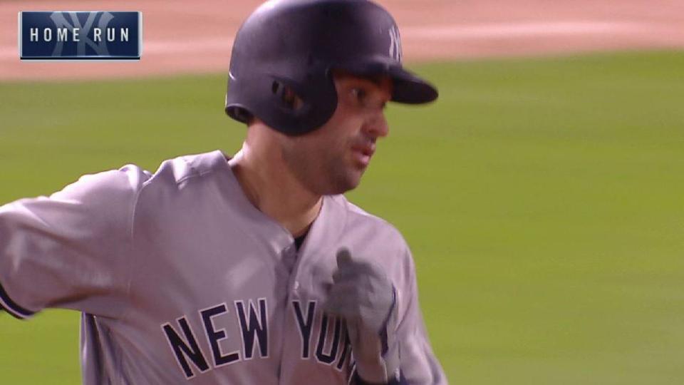 Walker's 2-run home run