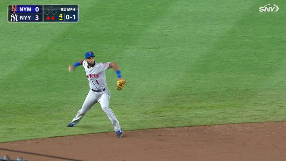 Rosario's nifty play at short
