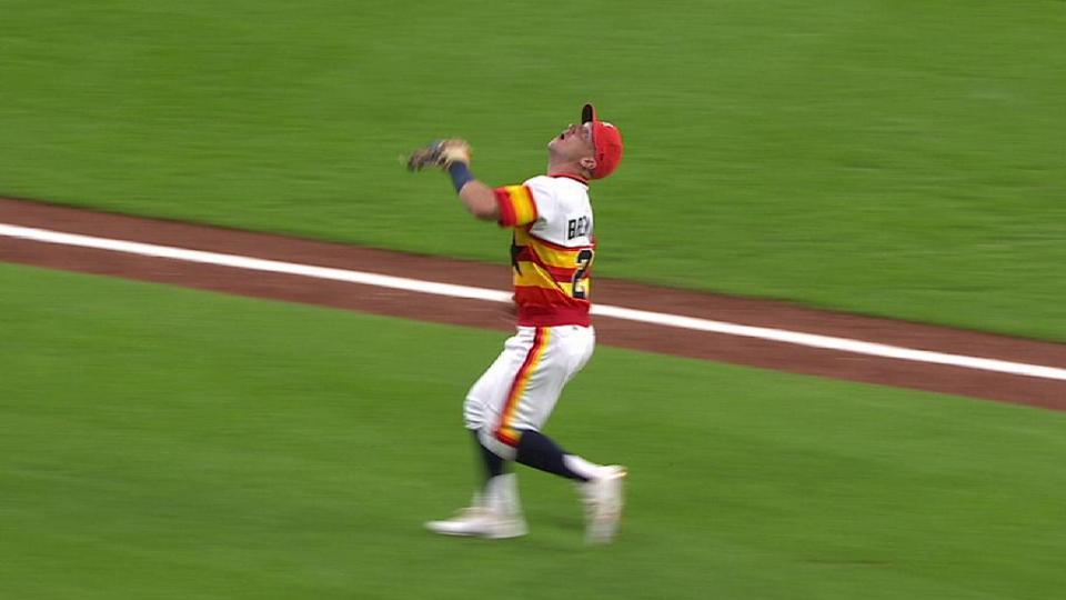 Bregman's nice running catch