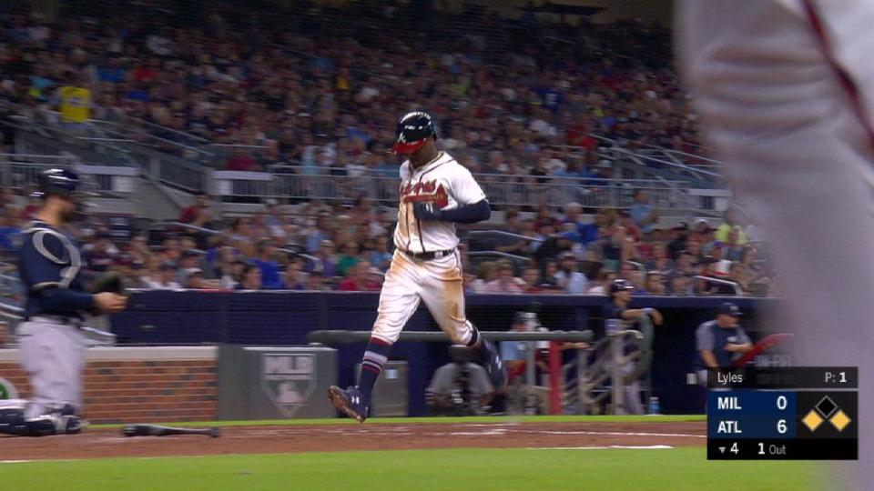 Markakis' sac fly to center
