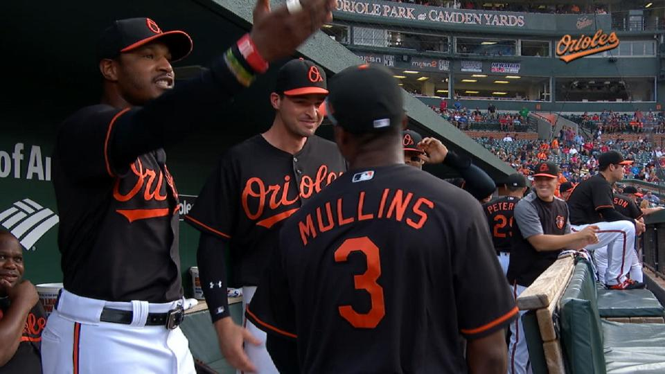 Jones prods Mullins to lead O's