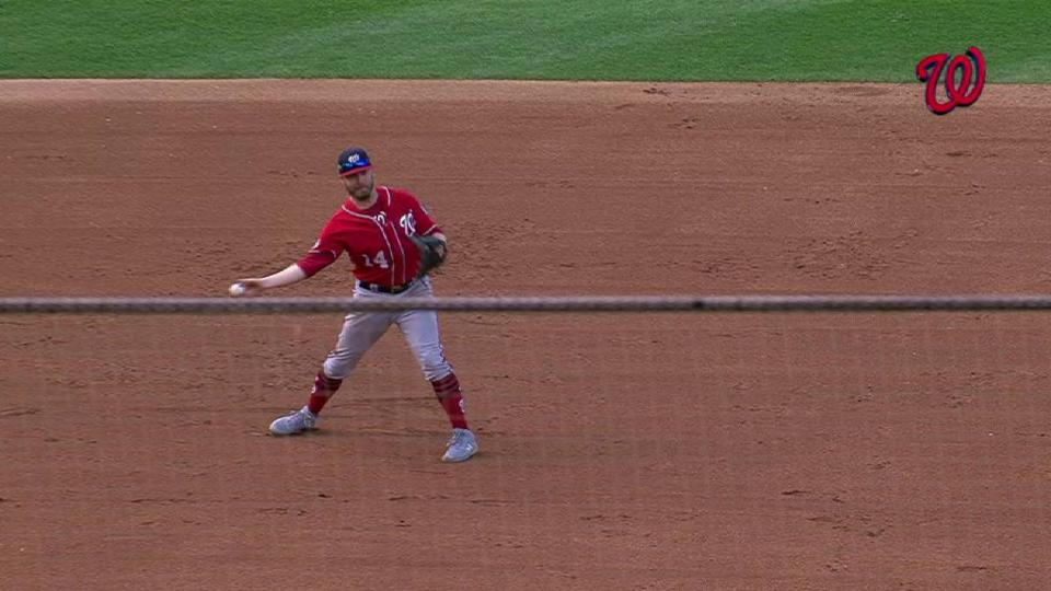 Reynolds dives, takes away a hit