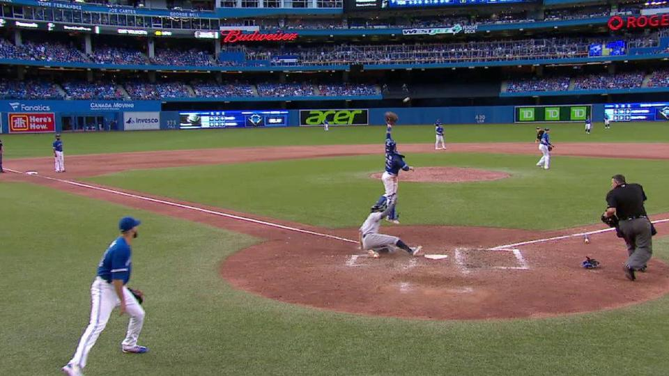 Sucre's RBI single