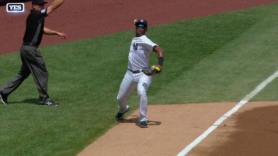 Andujar's sweet backhanded play