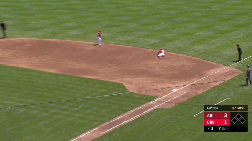 Votto's backhanded stop