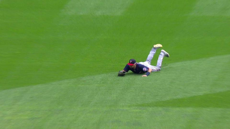 Cave's diving catch