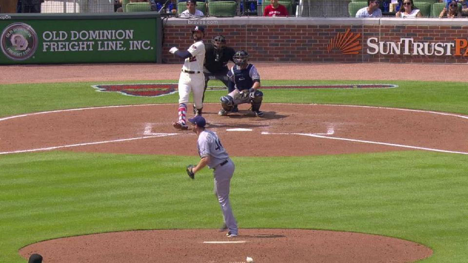 Markakis' 2-out RBI double