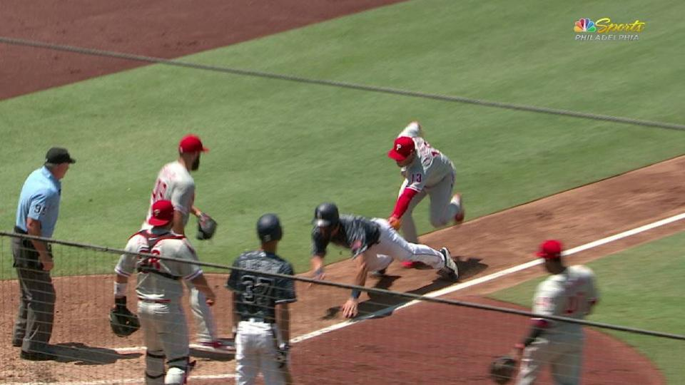 Phillies nab Hedges in rundown