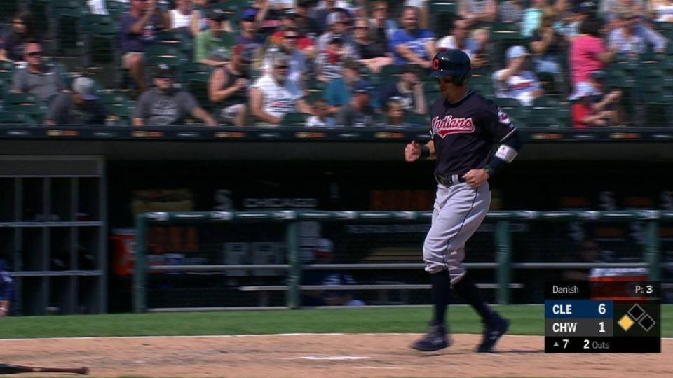 Gomes' sac fly in the 7th