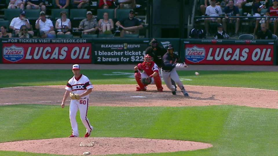 Diaz's 1-out RBI single in 8th