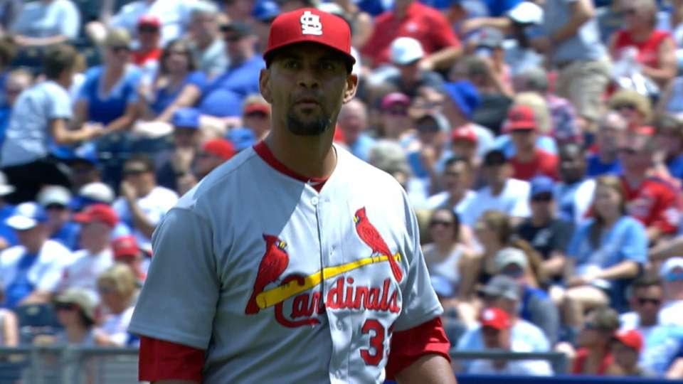 Ross fans 4 in Cardinals debut