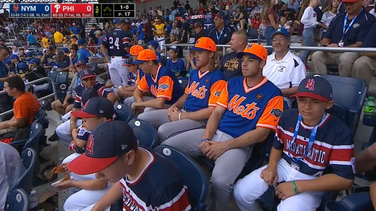 4329e8799 ... at the Little League Classic. Mets' rotation sits with fans