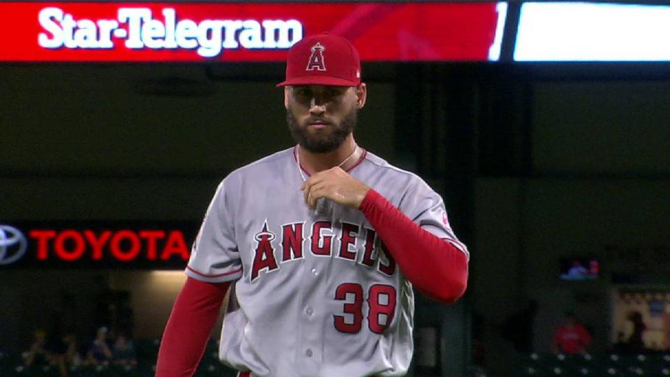 Anderson escapes a jam in 7th