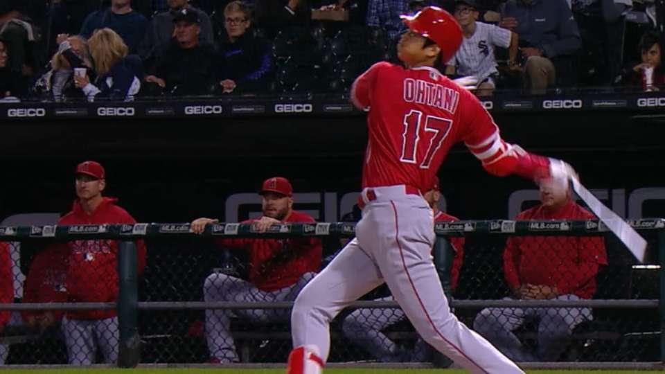 Ohtani's 3-run home run
