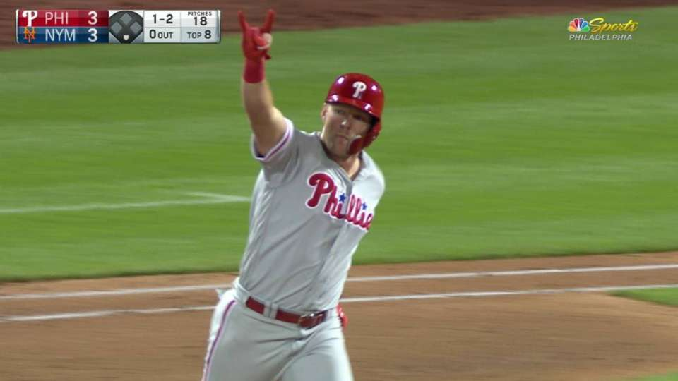 Hoskins' go-ahead HR in 8th