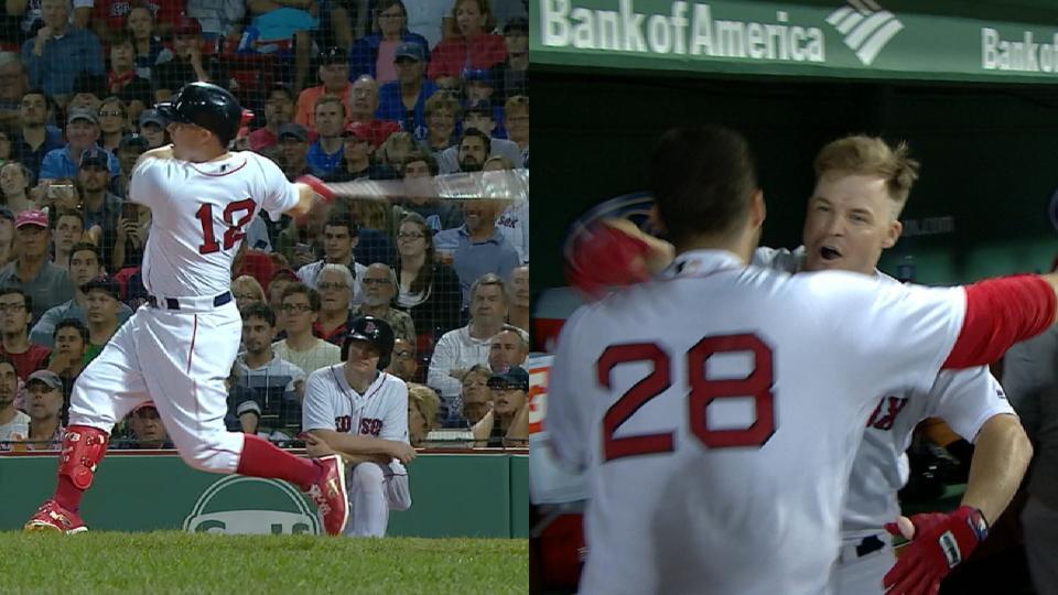 Holt's go-ahead, 3-run homer