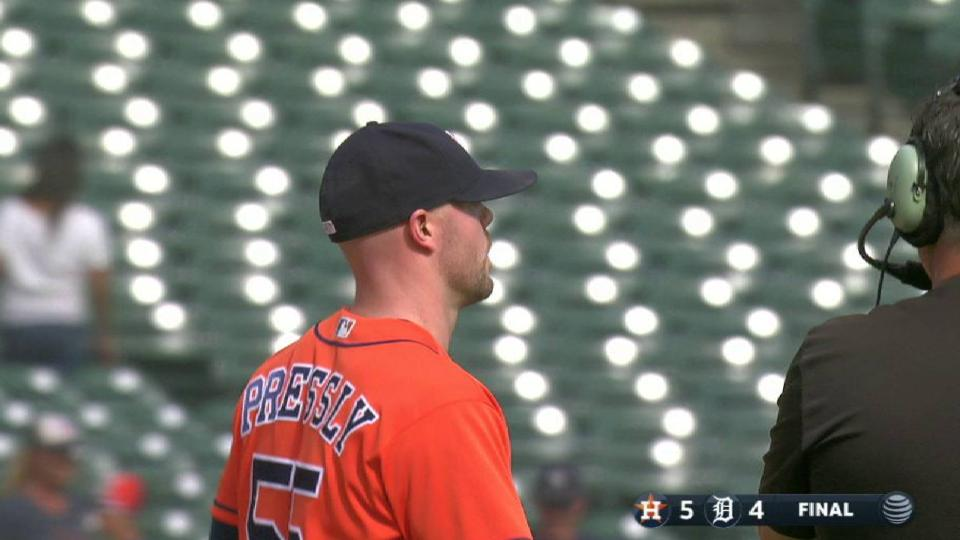 Pressly's 1st save as an Astro