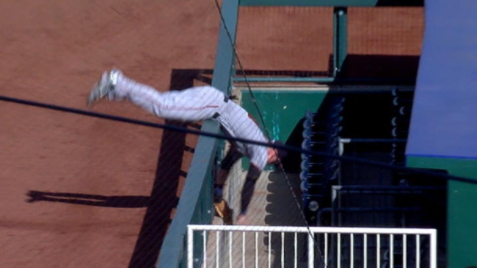 Must C: Austin's tumbling catch