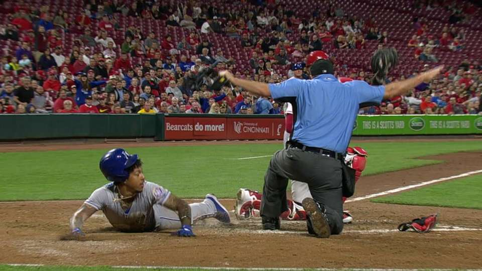 Mondesi races home on groundout