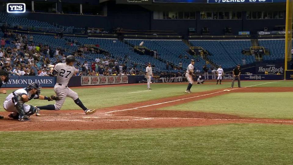 Stanton's RBI infield single