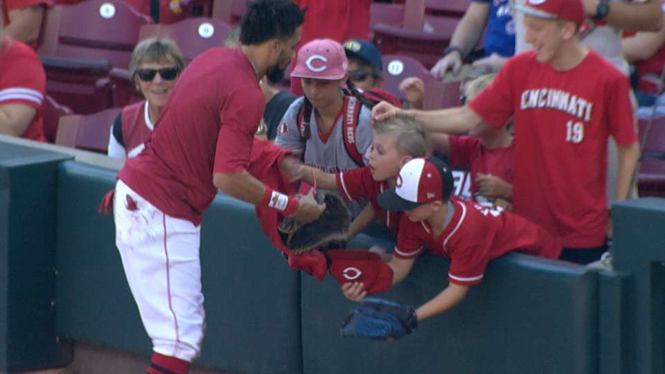 Reds gift jerseys to young fans