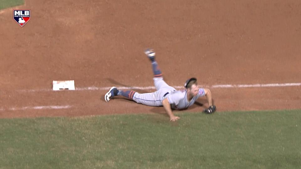 Alonso's diving stop at 1B