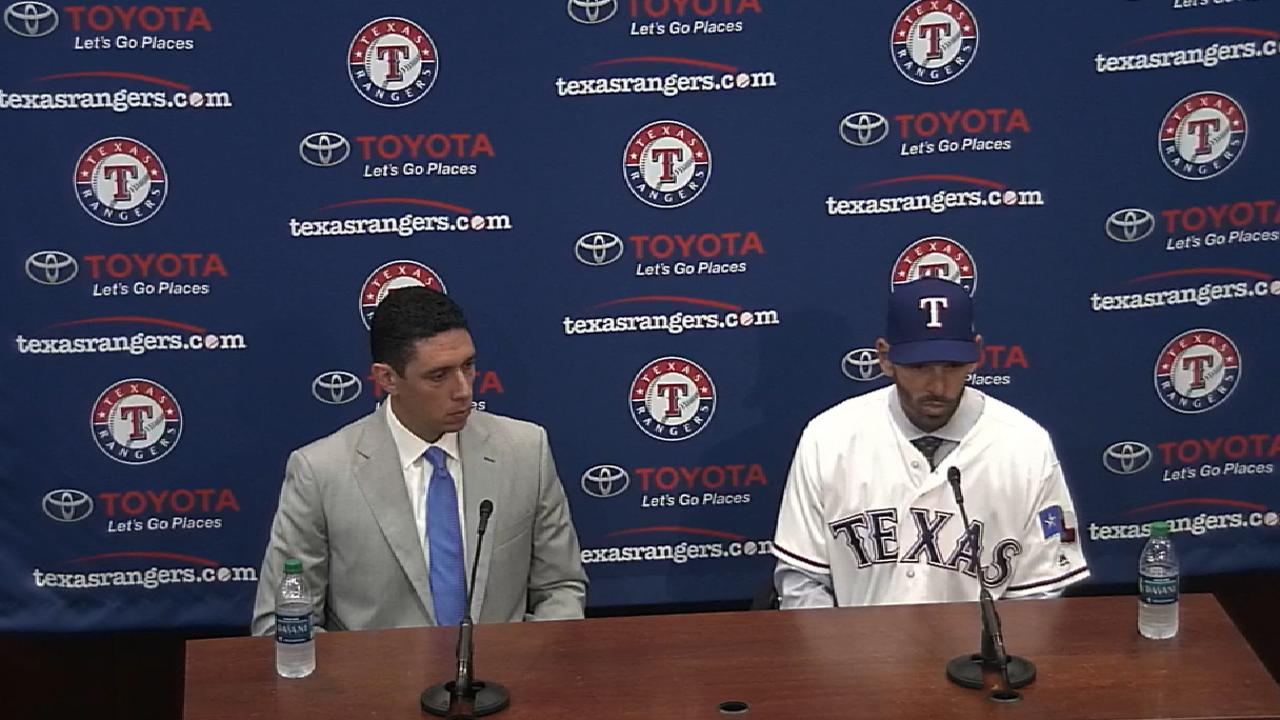 6ca3328cc060 Chris Woodward introduced as Rangers manager   Texas Rangers