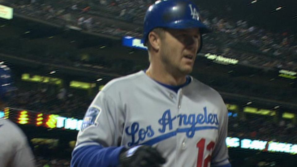 Kent's two-run homer